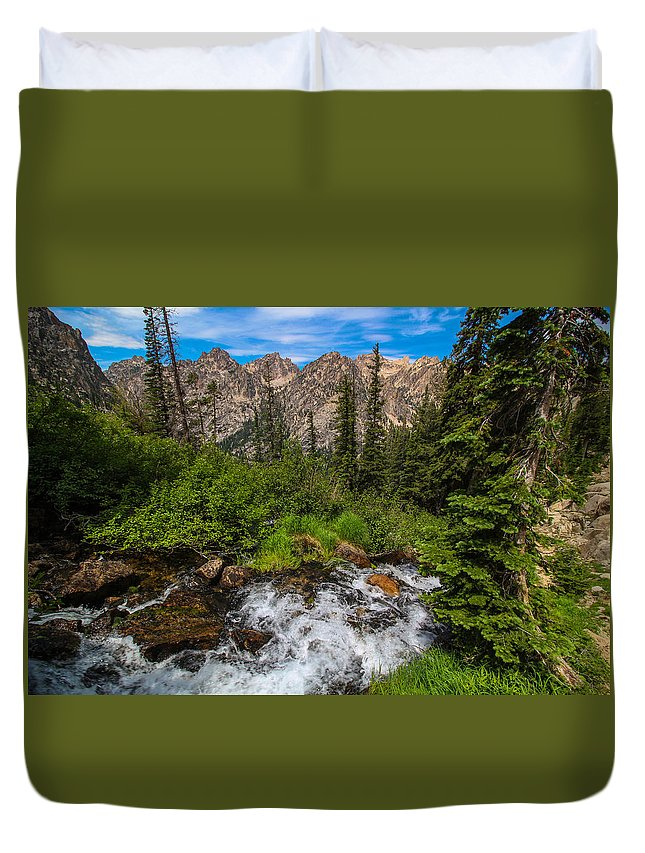 Hiking Duvet Cover featuring the photograph The Hike Down by Brandon Swanson