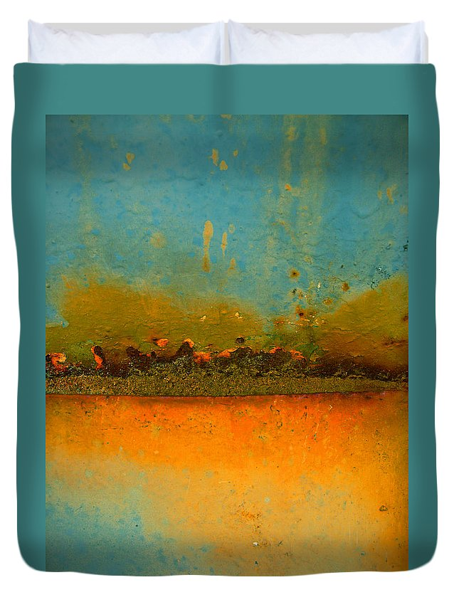 Urban Duvet Cover featuring the photograph The Horizon by Tara Turner