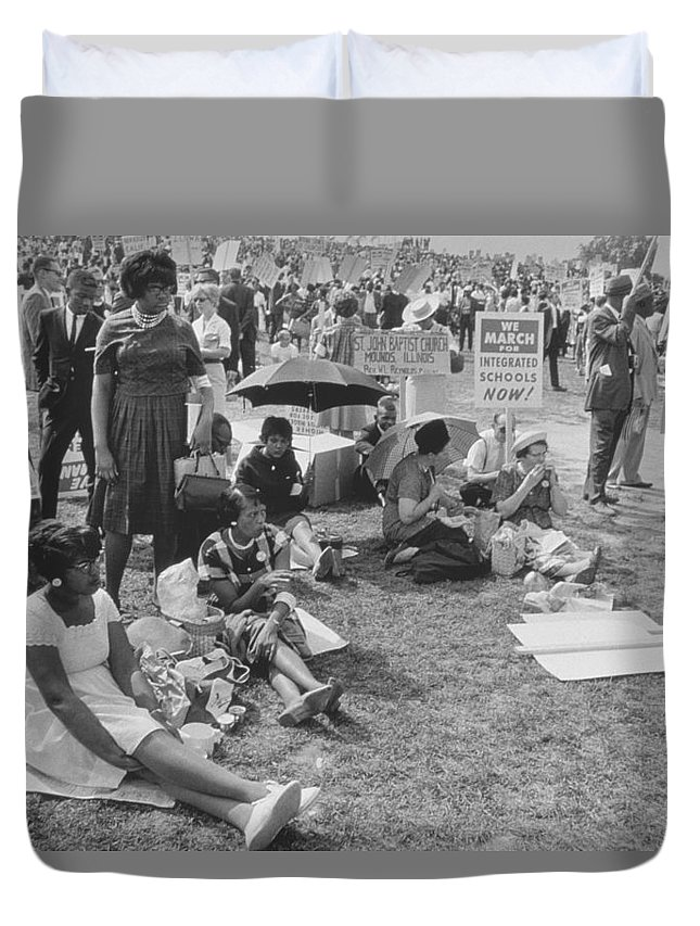 Photo Duvet Cover featuring the photograph The March On Washington  At Washington Monument Grounds by Nat Herz