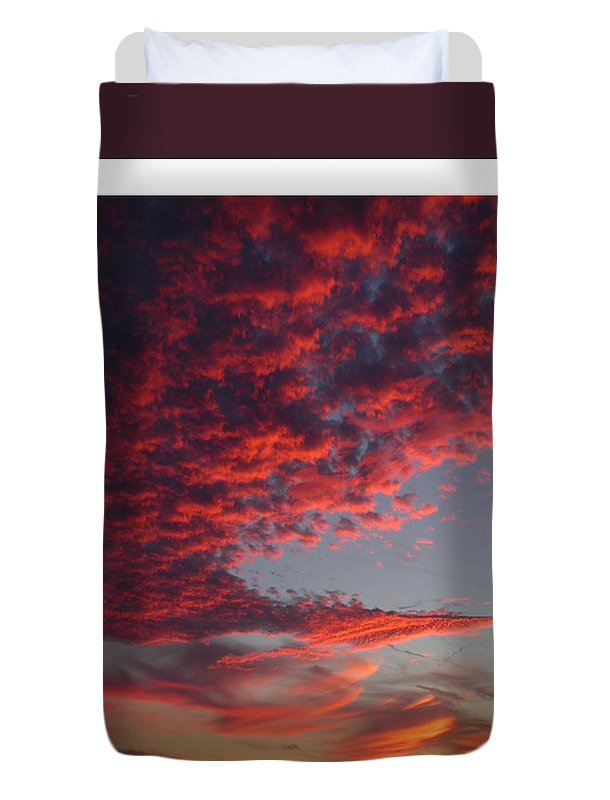Sunset Duvet Cover featuring the photograph The Master Painter by Linda Murphy