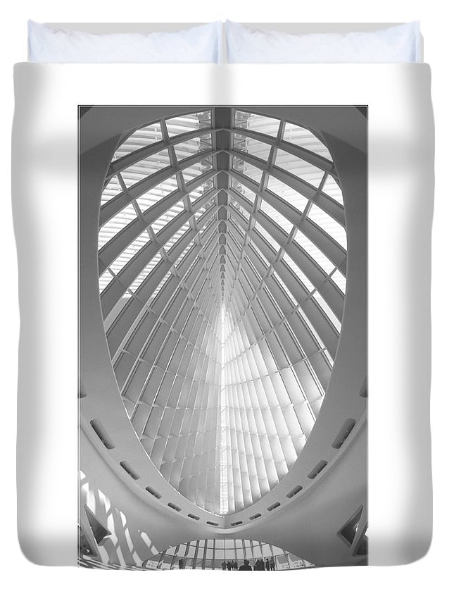 Unusual Architecture Duvet Cover featuring the photograph The Milwaukee Art Museum by Mike McGlothlen