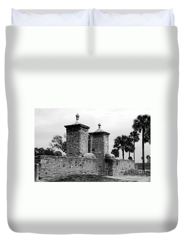 Saint Augustine Florida Duvet Cover featuring the photograph The Old City Gates by David Lee Thompson