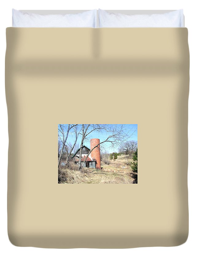 Barn Duvet Cover featuring the photograph The Old Farm by Tom Reynen