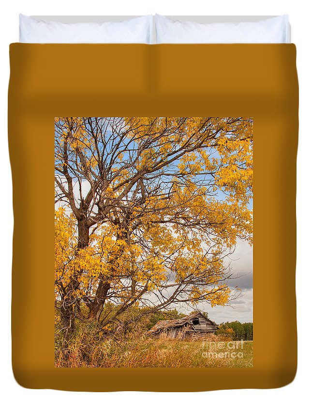 Canada Duvet Cover featuring the photograph The Old Homestead by Colette Panaioti