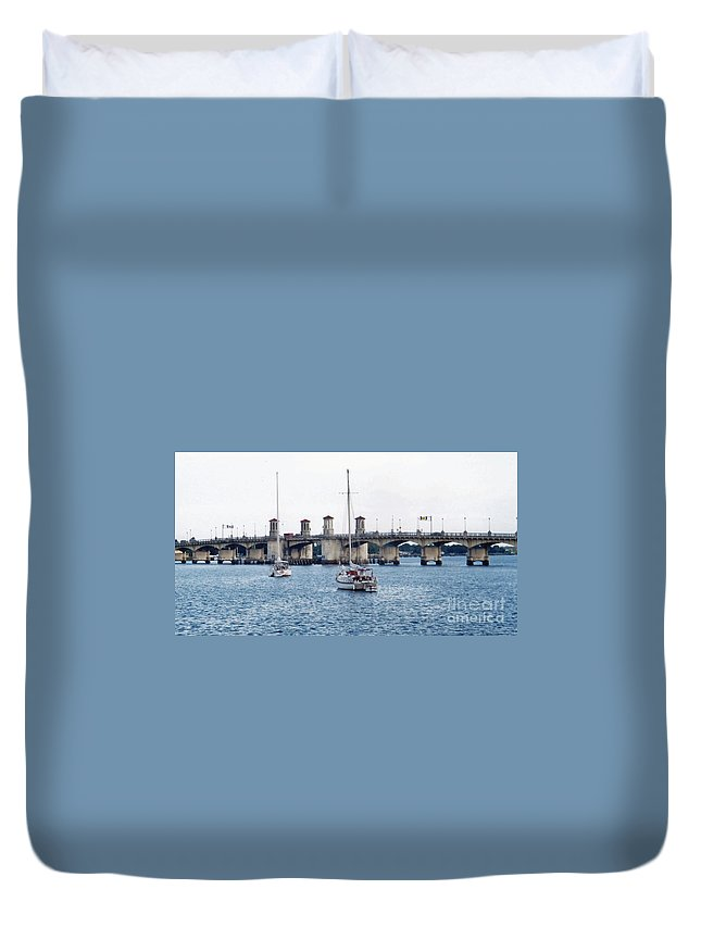 Bridge Of Lions Duvet Cover featuring the photograph The Original Bridge Of Lions by D Hackett