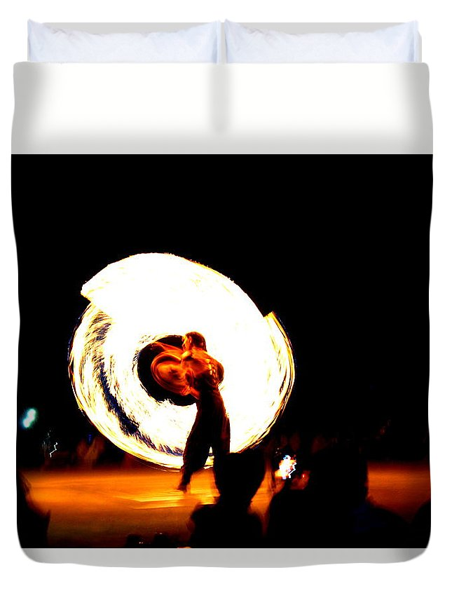 Performance Duvet Cover featuring the photograph The Performer by Janu B