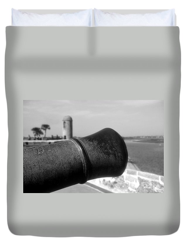 Castillo De San Marcos Duvet Cover featuring the photograph The Power Of Empire by David Lee Thompson