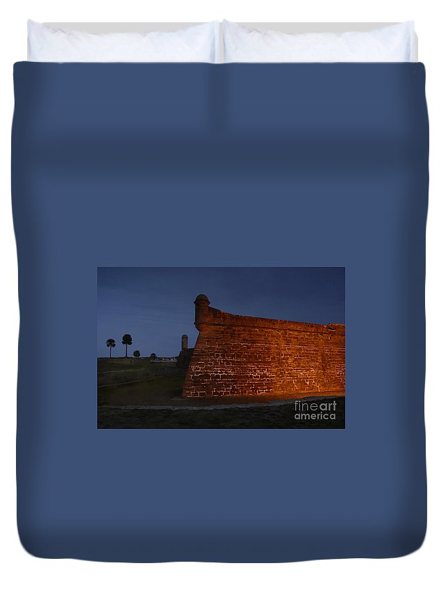 Castillo Duvet Cover featuring the photograph The Red Castillo by David Lee Thompson