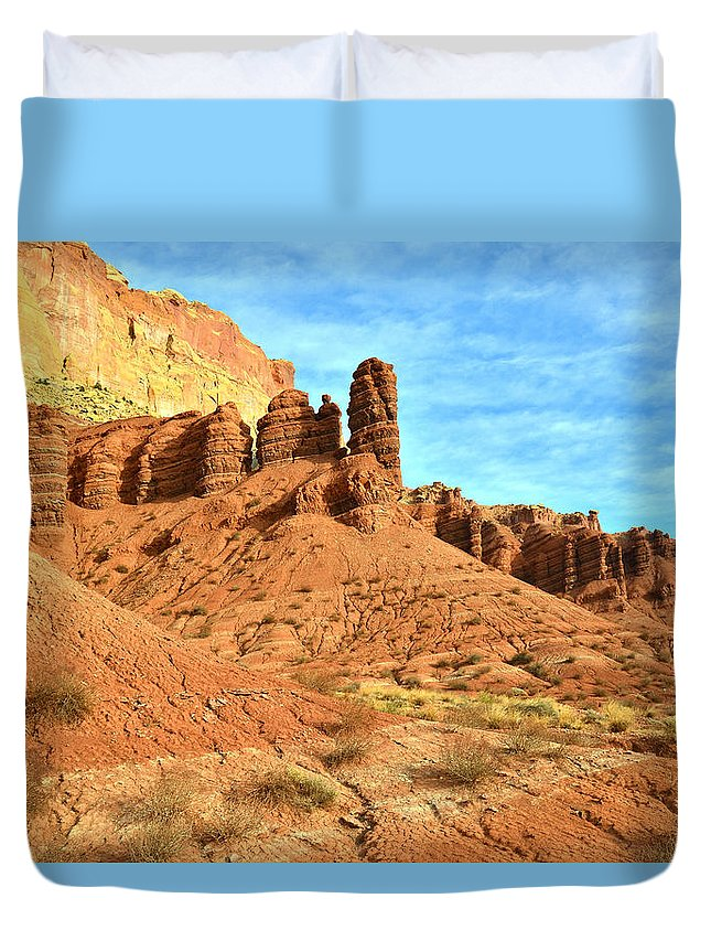 Capitol Reef National Park Duvet Cover featuring the photograph The Scenic Drive II by Ray Mathis