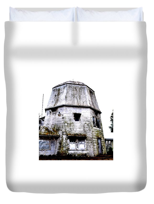 Old Duvet Cover featuring the photograph The Sentinel by Darlyn Shenold