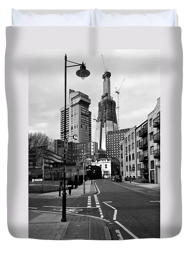 B&w Duvet Cover featuring the photograph The Shard Above Guy's by Gary Eason