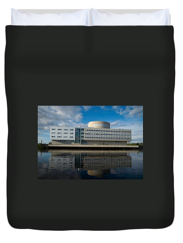 Oulu Duvet Cover featuring the photograph The Theatre Of Oulu 1 by Jouko Lehto