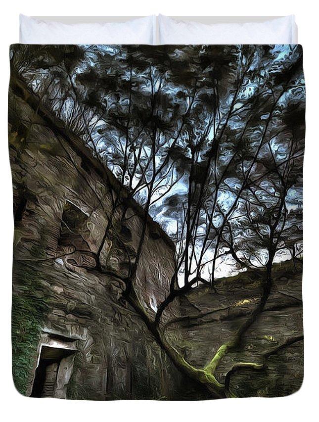 Luoghi Abbandonati Duvet Cover featuring the photograph The Tree In The Fort - L'albero Tra Le Mura Del Forte Paint by Enrico Pelos