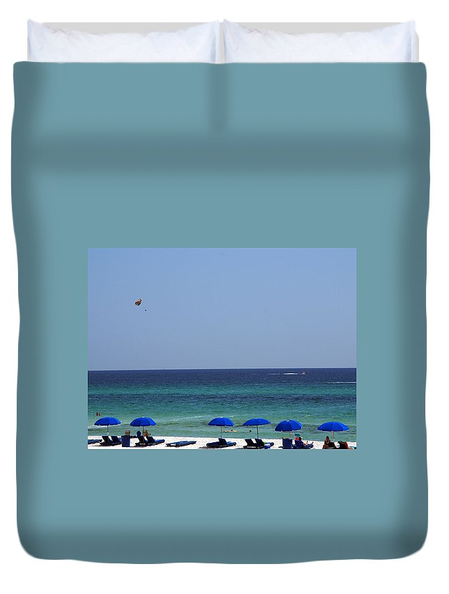 Beach Scene Duvet Cover featuring the photograph The White Panama City Beach - Before The Oil Spill by Susanne Van Hulst