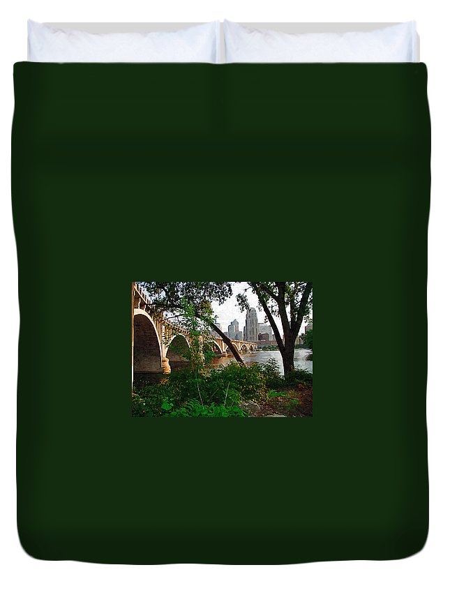 Minneapolis Duvet Cover featuring the photograph Third Avenue Bridge by Tom Reynen