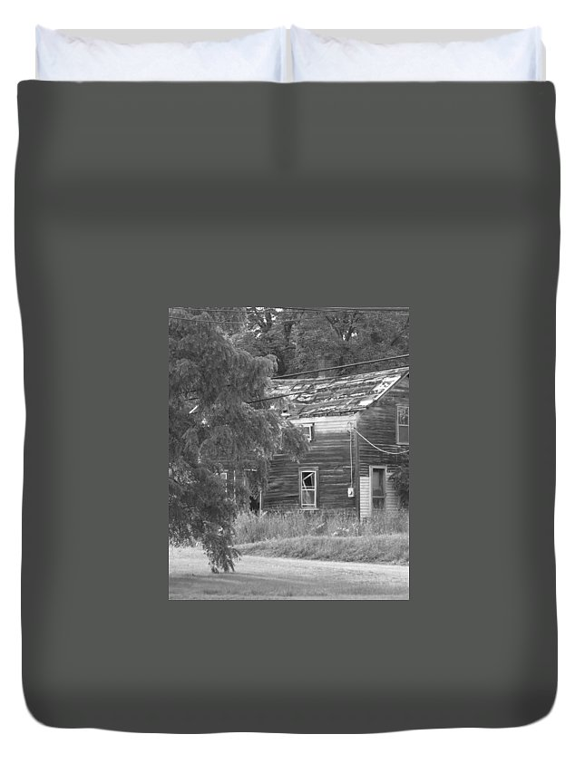 House Duvet Cover featuring the photograph This Old House by Rhonda Barrett
