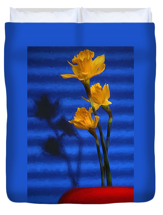 Daffodil Duvet Cover featuring the photograph Three Cheers - Yellow Daffodils In A Red Bowl by Mitch Spence