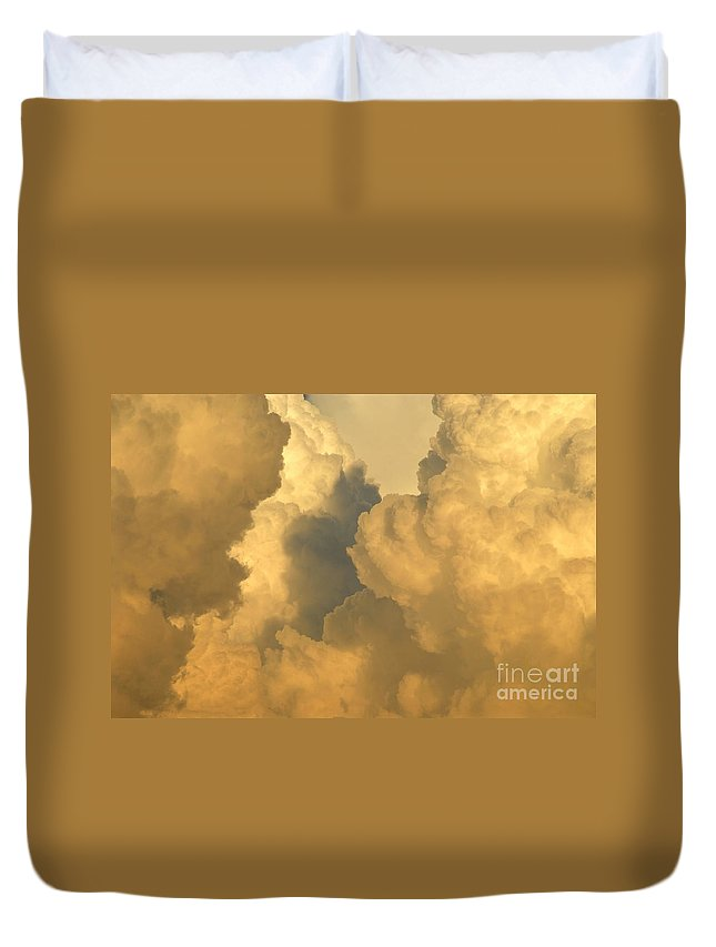 Clouds Duvet Cover featuring the photograph Thunder Heads by David Lee Thompson