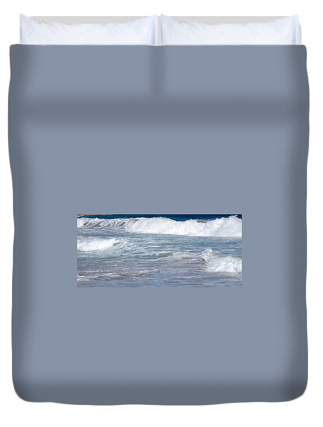 Wave Duvet Cover featuring the photograph Thundering Roar by Ian MacDonald
