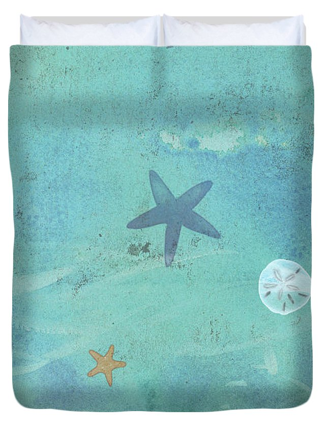 Beach Duvet Cover featuring the painting Tidepool I by Tracy Herrmann