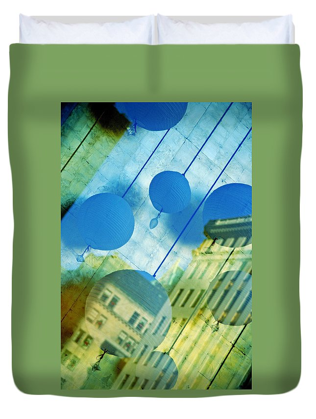 New York Duvet Cover featuring the photograph Tiffanys by Skip Hunt