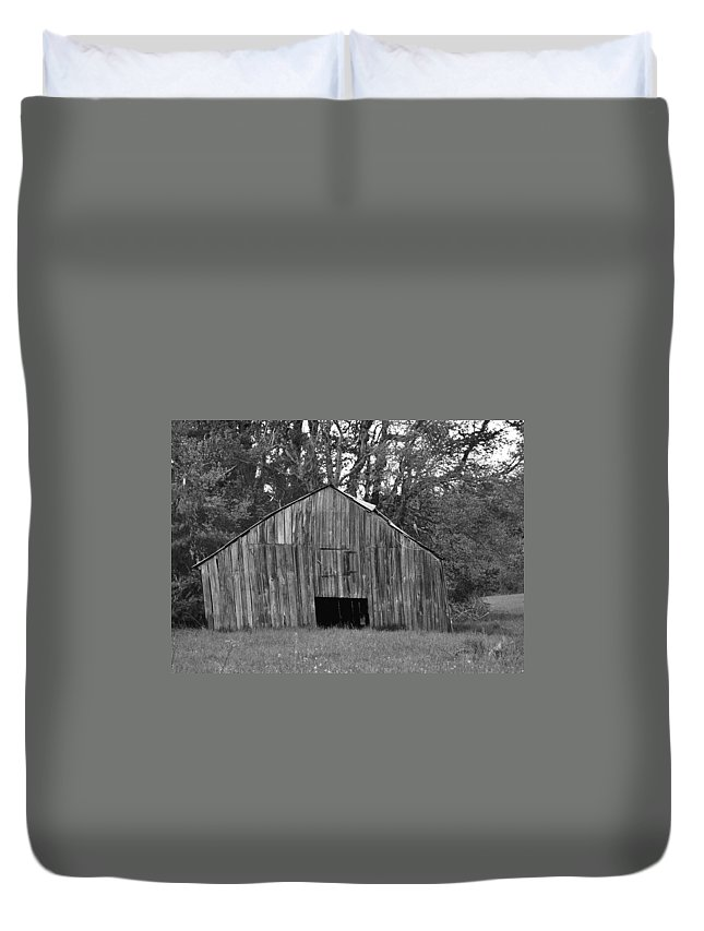 Barn Duvet Cover featuring the photograph Tilting by Eric Liller