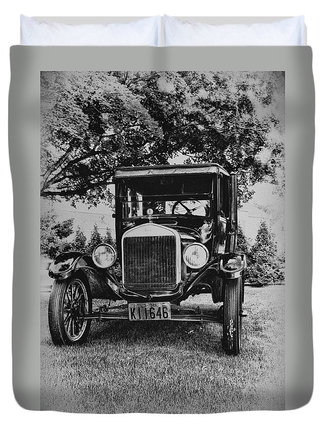 Ford Model T Duvet Cover featuring the photograph Tin Lizzy - Ford Model T by Bill Cannon