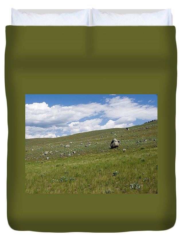 Gardiner Montana Duvet Cover featuring the photograph To The Sky by Tara Lynn