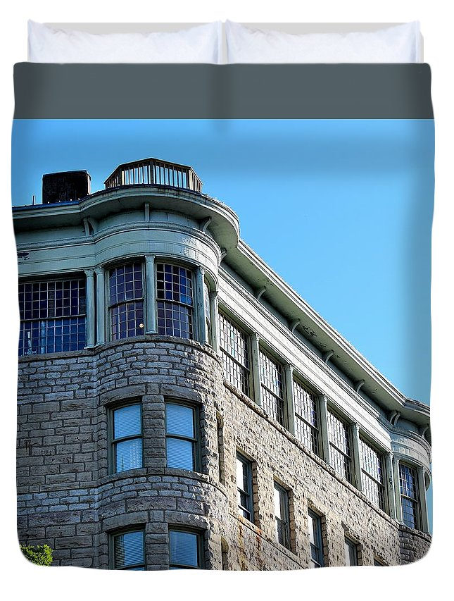 Basin Park Hotel Duvet Cover featuring the photograph Todays Art 1250 by Lawrence Hess