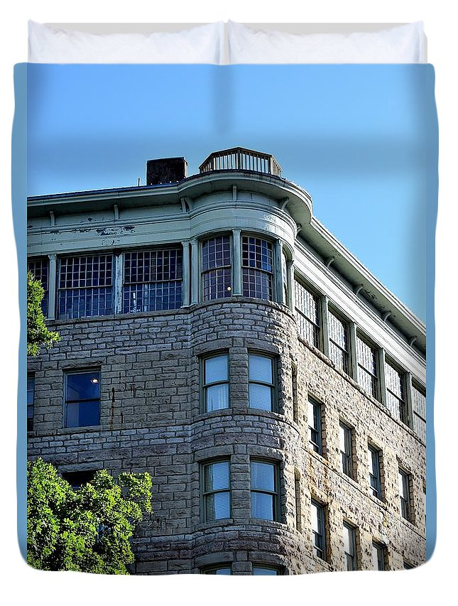 Basin Park Hotel Duvet Cover featuring the photograph Todays Art 1251 by Lawrence Hess