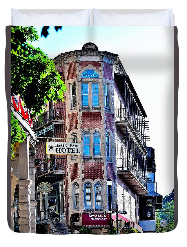 Buildings Duvet Cover featuring the photograph Todays Art 1257 by Lawrence Hess