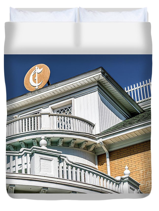 Top Of Large Residence Duvet Cover featuring the photograph Top Of Large Residence In Marion 7986t by Doug Berry