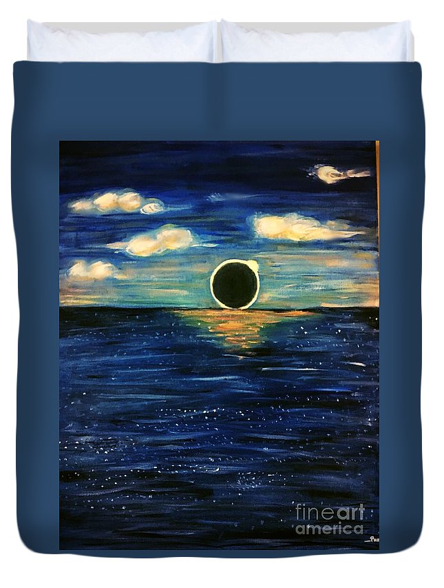 Eclipse Duvet Cover featuring the painting Totality On The Sea - Solar Eclipse by Purva Arvindekar