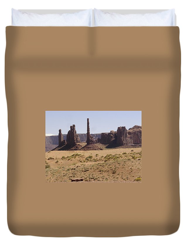 Monument Valley Duvet Cover featuring the photograph Totem Pole by Mary Rogers