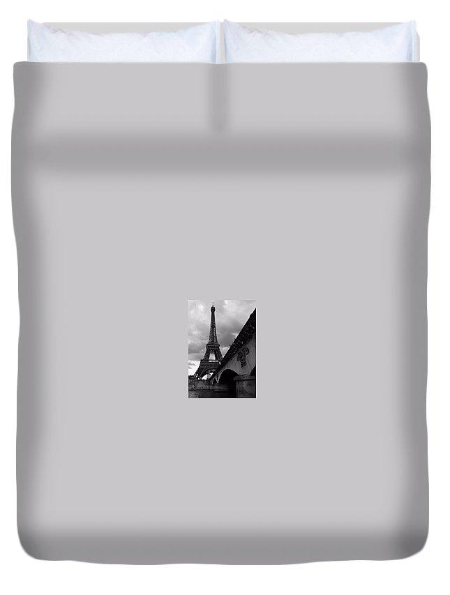 Paris Duvet Cover featuring the photograph Tour Eiffel by Julia Loginova
