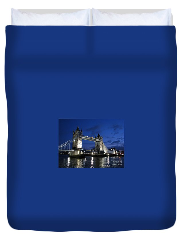 London Duvet Cover featuring the photograph Tower Bridge by Amanda Barcon