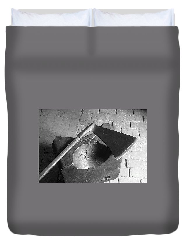 1542 Duvet Cover featuring the photograph Tower: Execution Block by Granger