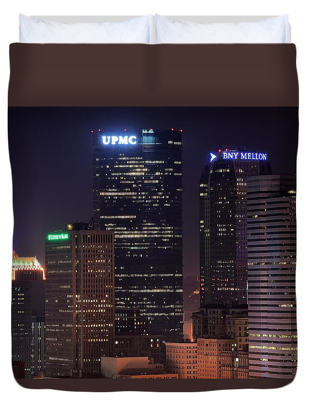 Pittsburgh Duvet Cover featuring the photograph Towering Buildings Of Pittsburgh by Frozen in Time Fine Art Photography