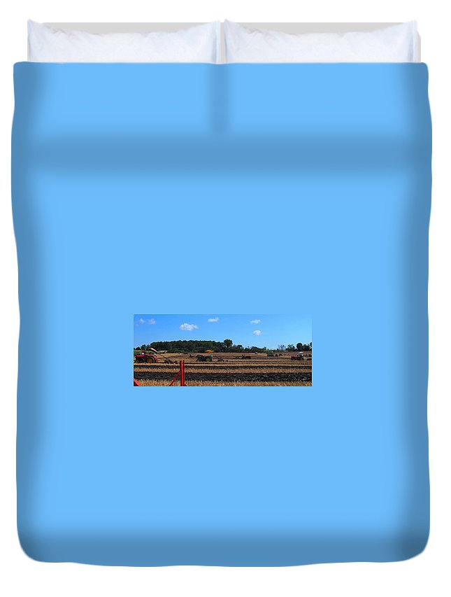 Tractors Duvet Cover featuring the photograph Tractors Competing by Ian MacDonald