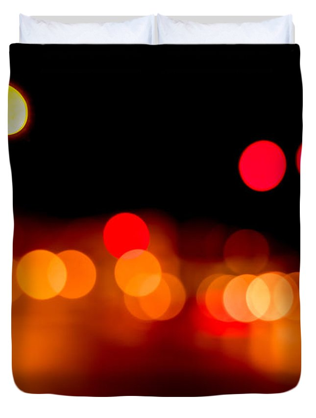 Out Of Focus Duvet Cover featuring the photograph Traffic Lights Number 5 by Steve Gadomski