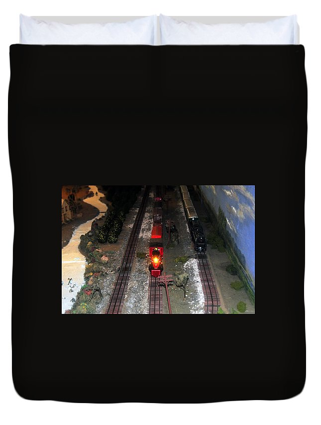 Train Duvet Cover featuring the photograph Train Set by David Lee Thompson