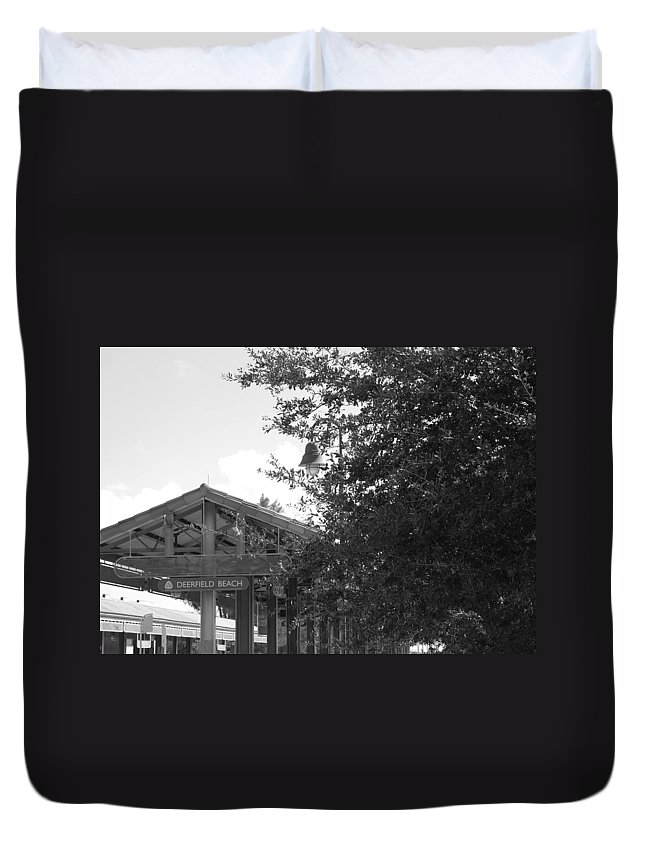 Black And White Duvet Cover featuring the photograph Train Station In Deerfield Beach by Rob Hans