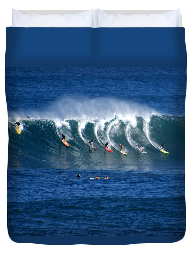 Hawaii Duvet Cover featuring the photograph Training Day by Kevin Smith