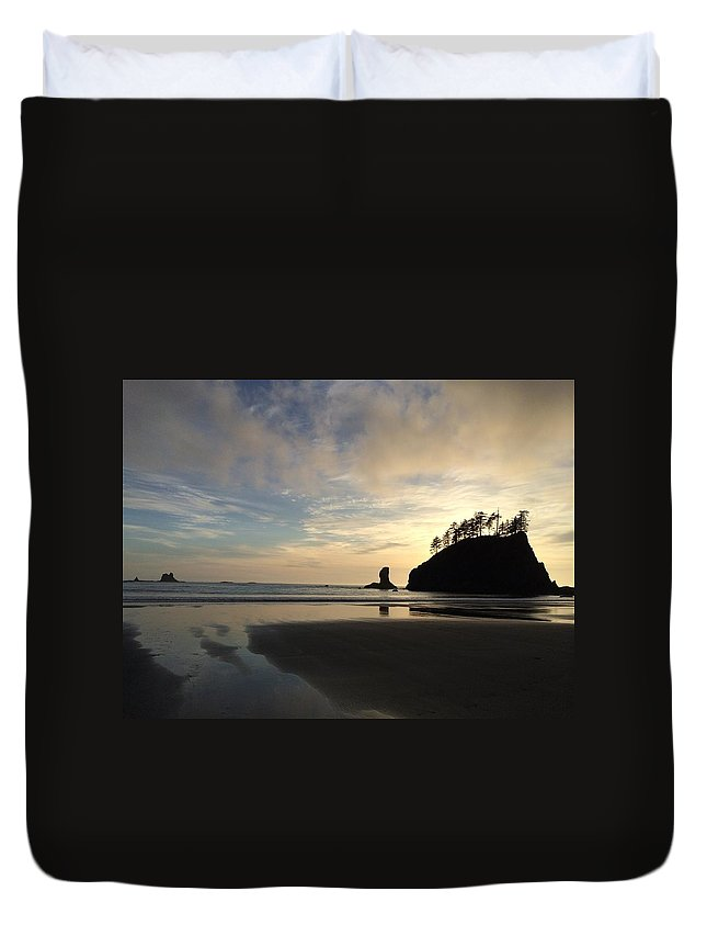 Beach Duvet Cover featuring the photograph Tranquil Beauty by Megan Thompson