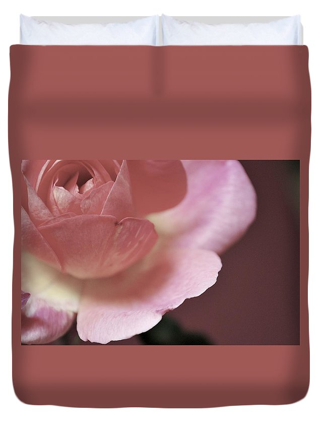 Flowers Duvet Cover featuring the photograph Tranquility by Donna Shahan