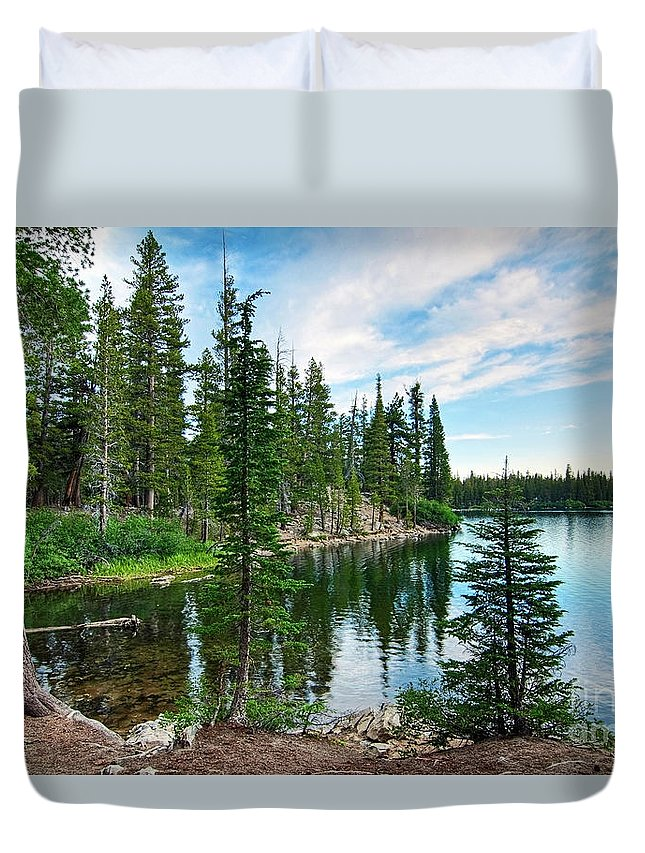 Tree Duvet Cover featuring the photograph Tranquility - Twin Lakes In Mammoth Lakes California by Jamie Pham