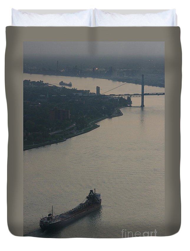 Detroit Duvet Cover featuring the photograph Transport On The Waterway by Linda Shafer