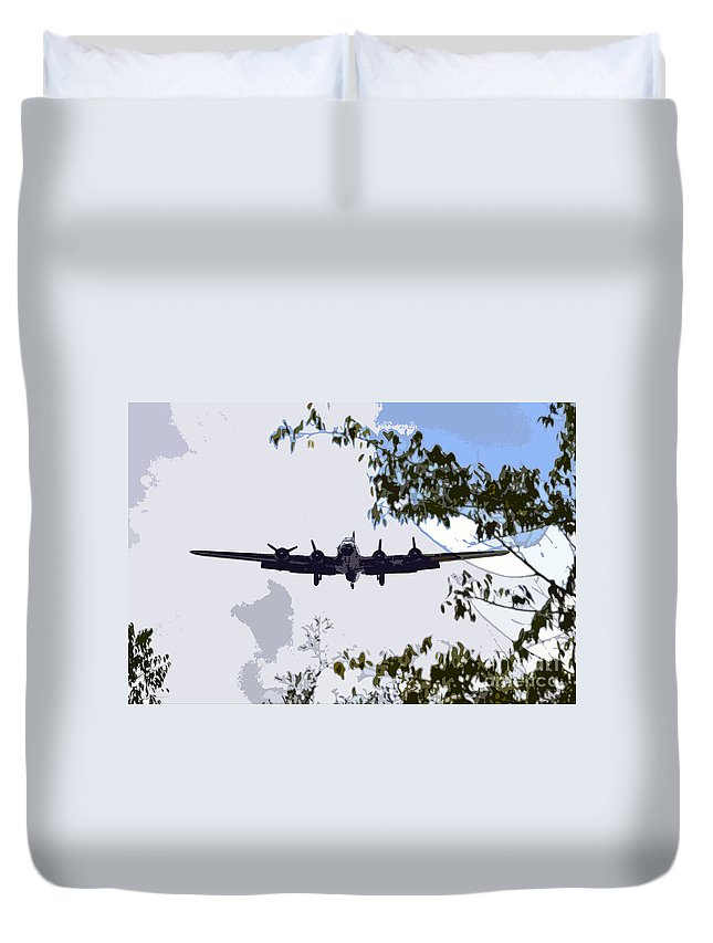 B 17 Duvet Cover featuring the photograph Tree Top Fly Er by David Lee Thompson