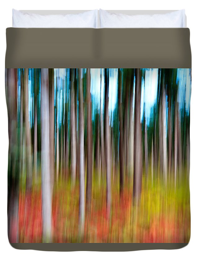 Abstract Duvet Cover featuring the photograph Treecolour by Gert Lavsen