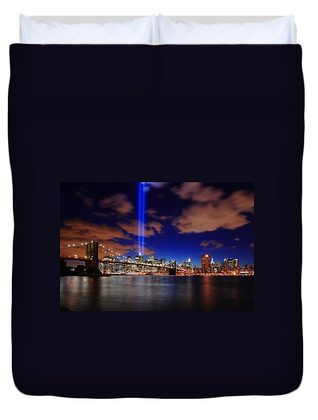 New York City Duvet Cover featuring the photograph Tribute In Light by Rick Berk
